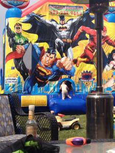 Now that is a bouncy room!!