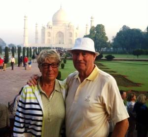 Ian & Gail in front of the Taj Mahal