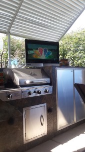 Watching the TV on the deck 32 degrees. Just like heaven